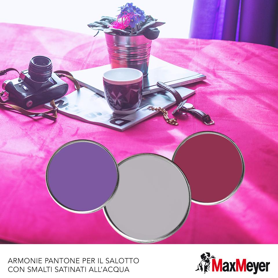 Come scegliere i colori per il salotto with pareti viola e for Tende lilla glicine