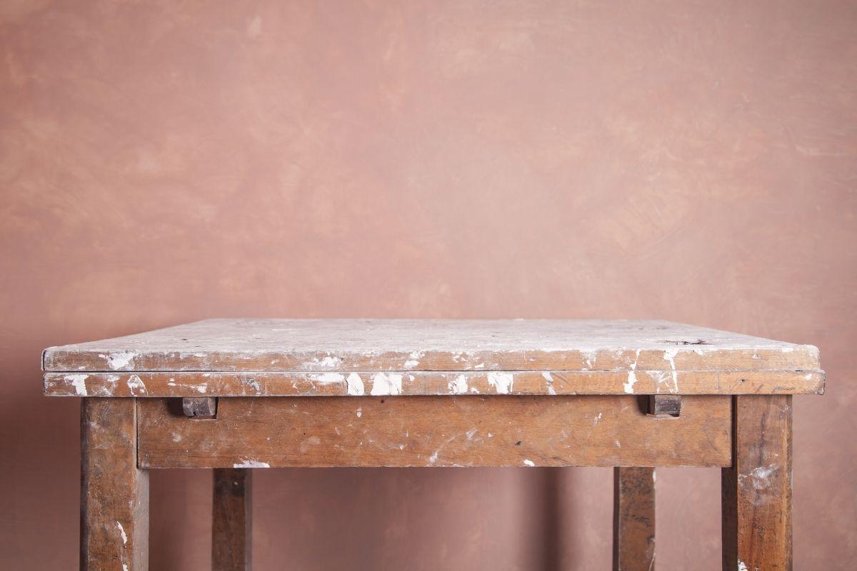 Come rinnovare un tavolo in legno con Spray Color di MaxMeyer